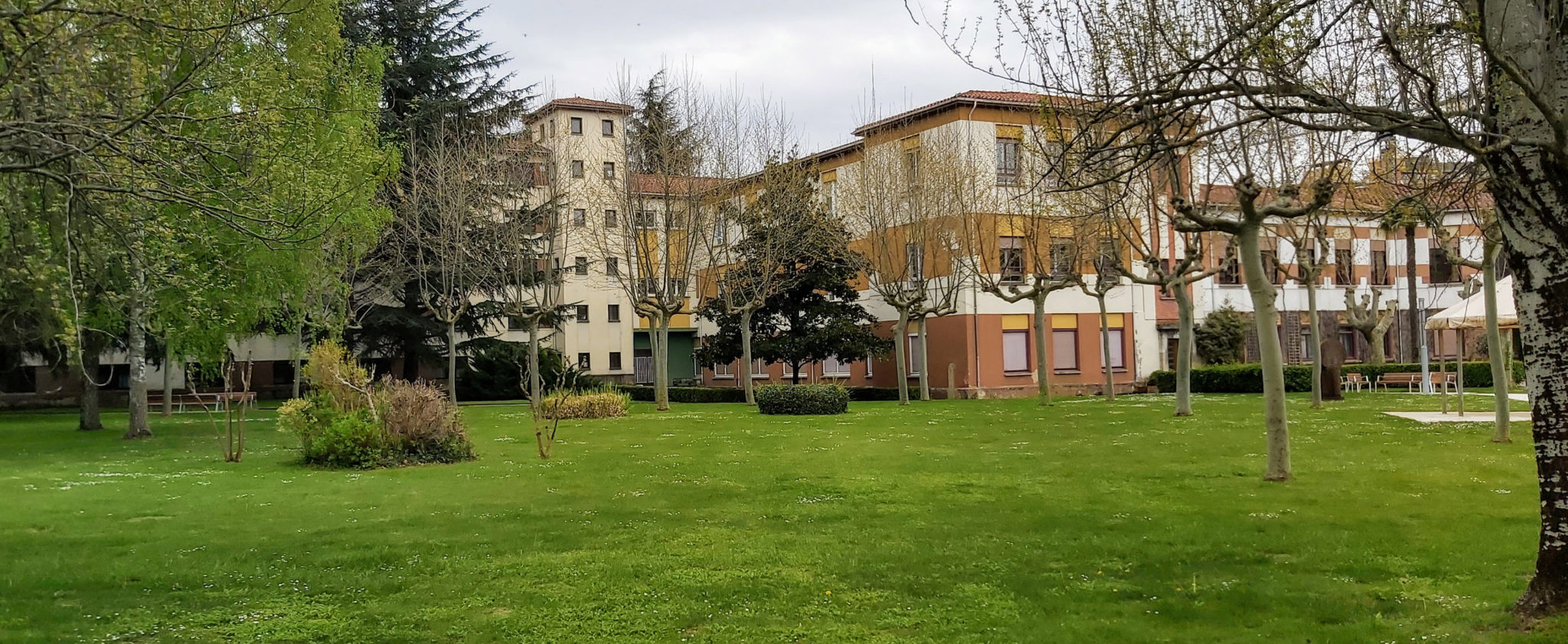 Jardines de la Casa de Misericordia de Pamplona