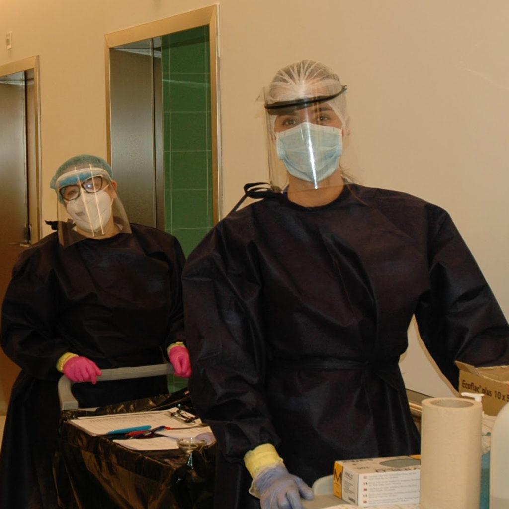 Profesionales Trabajando En La Enfermería
