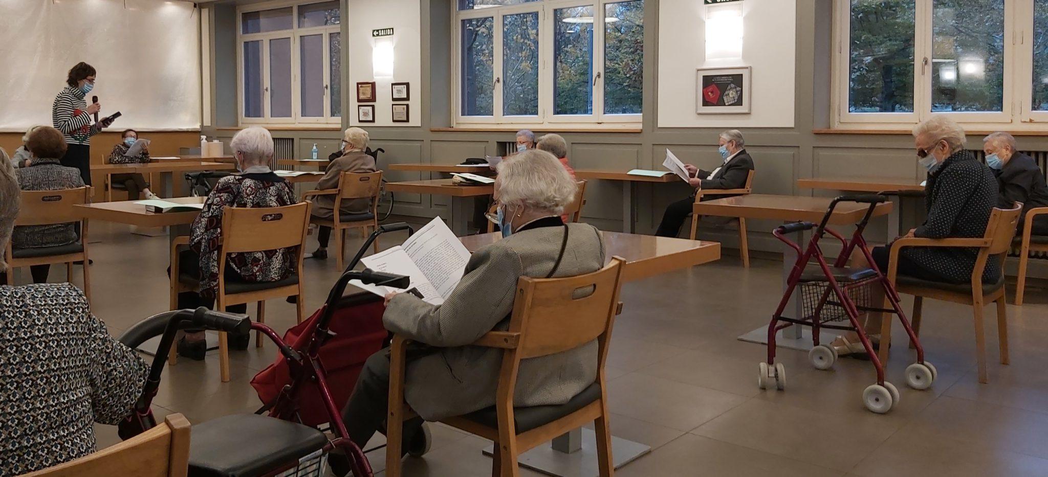 Club De Lectura En Voz Alta En La Casa De Misericordia